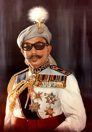 The Late Seri Begawan Sultan, Brunei - Official Portrait by Mai Griffin